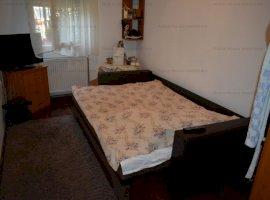 Apartament 4 camere la casa + 65mp curte zona Lazaret