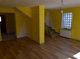 Casa la cheie, 5 camere +800mp teren zona Viile Sibiului