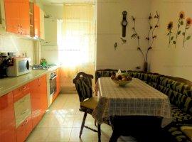 Apartament 4 camere decomandate zona Vasile Aaron