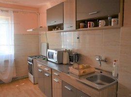 Apartament 3 camere decomandate zona Strand
