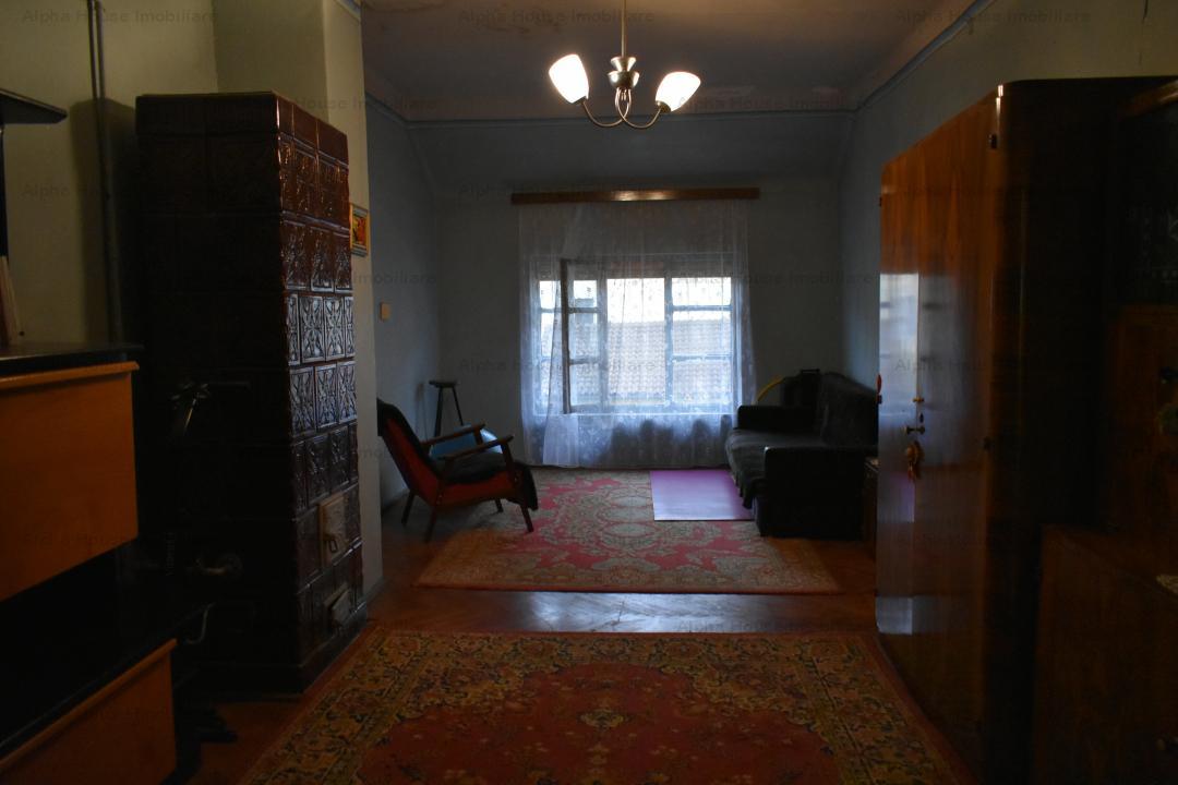 Apartament 104mp + loc de parcare in curte zona Centrala