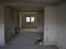 Casa 4 camere +253mp curte ,zona Calea Cisnadiei