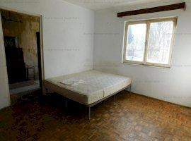 Apartament 2 camere etaj 1 zona Cedonia