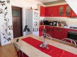 Apartament 3 camere la mansarda zona Vasile Aaron