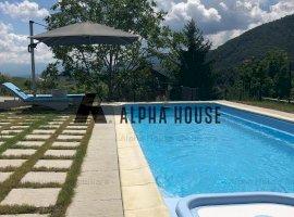Vila de LUX cu piscina, in Cisnadioara cu teren 950 m