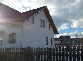Casa de vanzare (licitatie) si teren in suprafata de 5438 mp situat in sat Neagra Sarulului