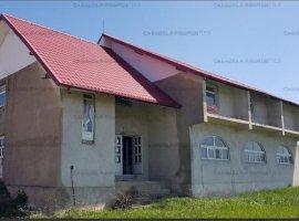 Vanzare vila/pensiune si teren Miroslovesti judetul Iasi