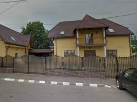 Vila S+P+M si teren 702 Codlea, Brasov