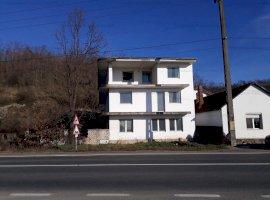 Casa S+P+2E si teren , localitatea Radna, Jud. Arad