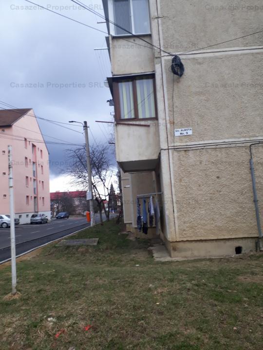 Apartament cu 2 camere, situat in Victoria, Str. Albota, bl. 9, sc. B, ap. 24, jud. Brasov