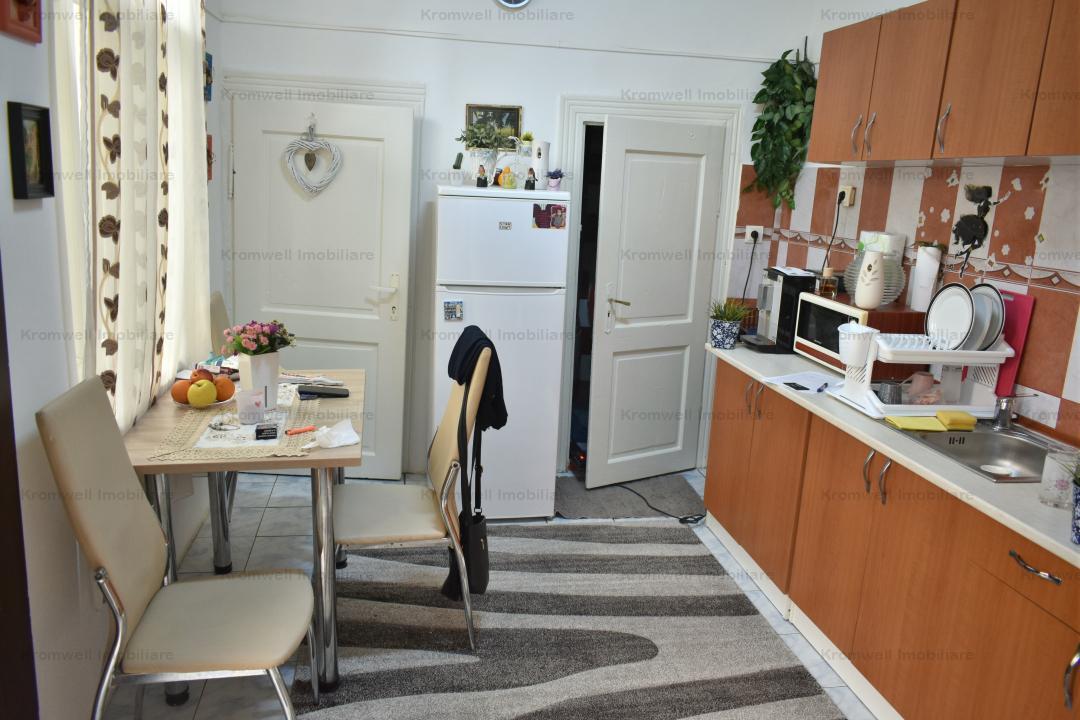 Apartament 2 camere + pod si pivnita la 500m distanta de Piata Mare