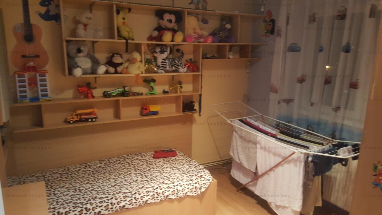 Apartament 3 camere, etaj intermediar +15mp boxa la subsol zona Soseaua Alba Iulia