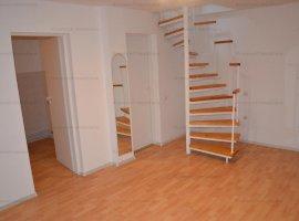 Apartament 66mp , 3 camere la mansarda zona Strand