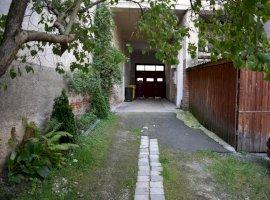 Apartament 2 camere decomandat si garaj- Str Filarmonicii