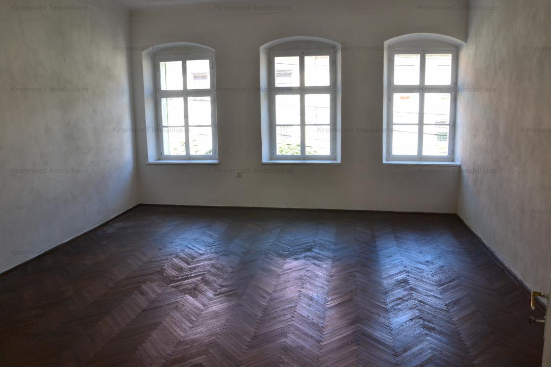 Apartament zona centrala Cisnadie
