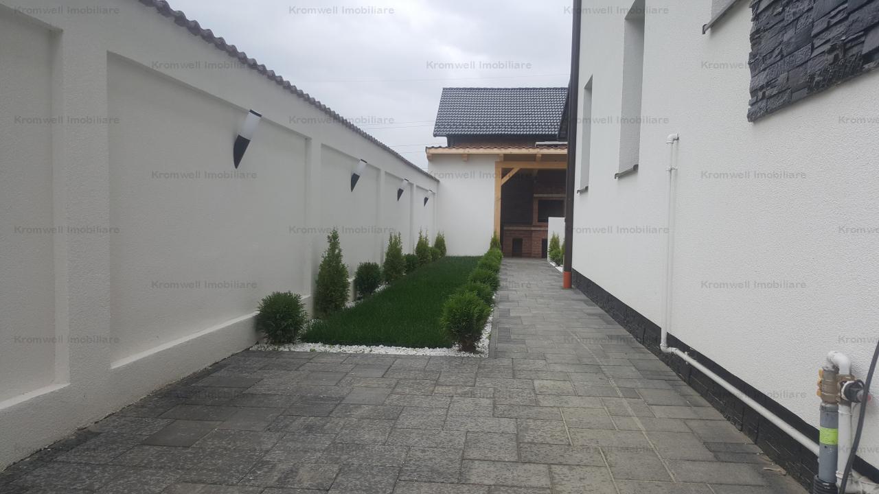 Casa  cu 4 camere si curte de 200mp in Cristian