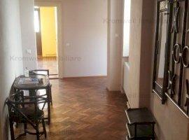 Apartament 3 camere decomandat zona Constitutiei