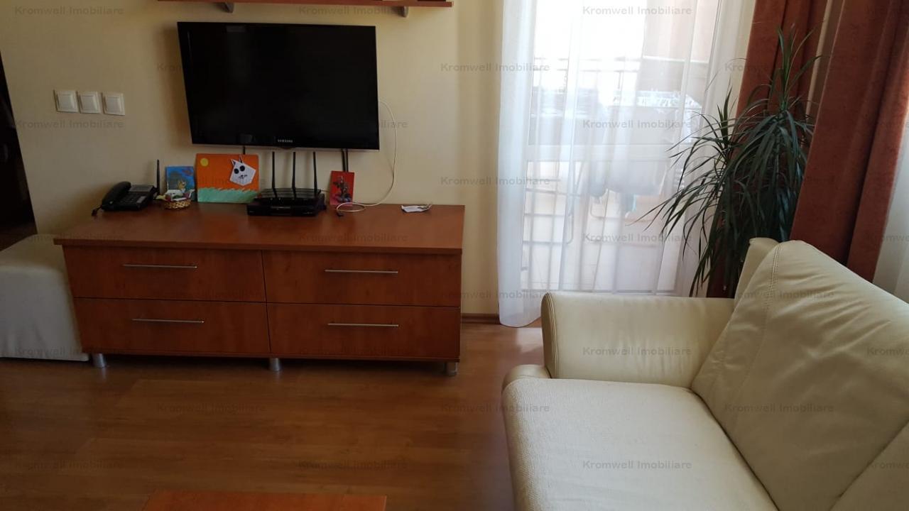 Apartament 3 camere decomandat, etaj 1, loc de parcare zona Turnisor