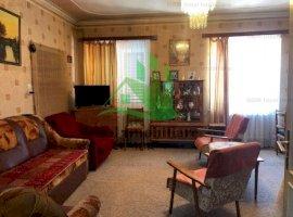 Apartament cu 3 camere si gradina, zona Calea Dumbravii