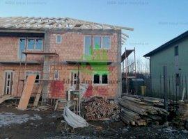 Casa cu Tip Triplex cu 4 camere si gradina in Calea Cisnadiei