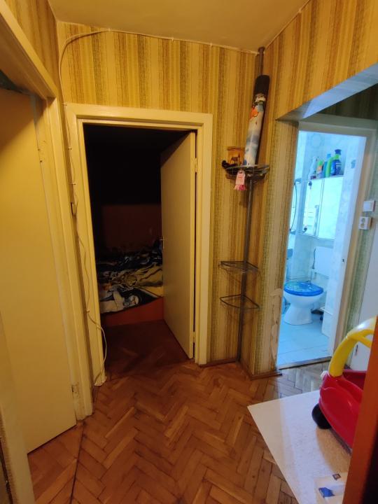Apartament cu 3 camere decomandate, 2 bai, pivnita et 1 in zona Calea Dumbravii