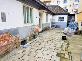 Casa singur in curte 4 camere zona Terezian