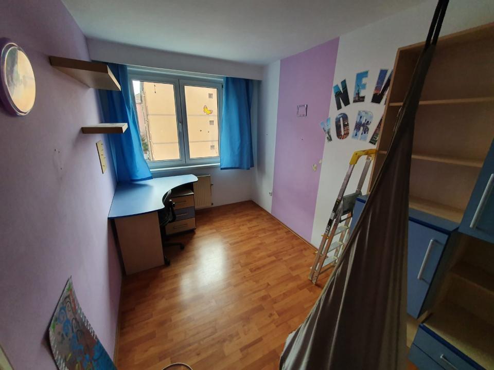 Apartament 3 camere, semidecomandat, 60 mp utili, strada Rahovei, Sibiu