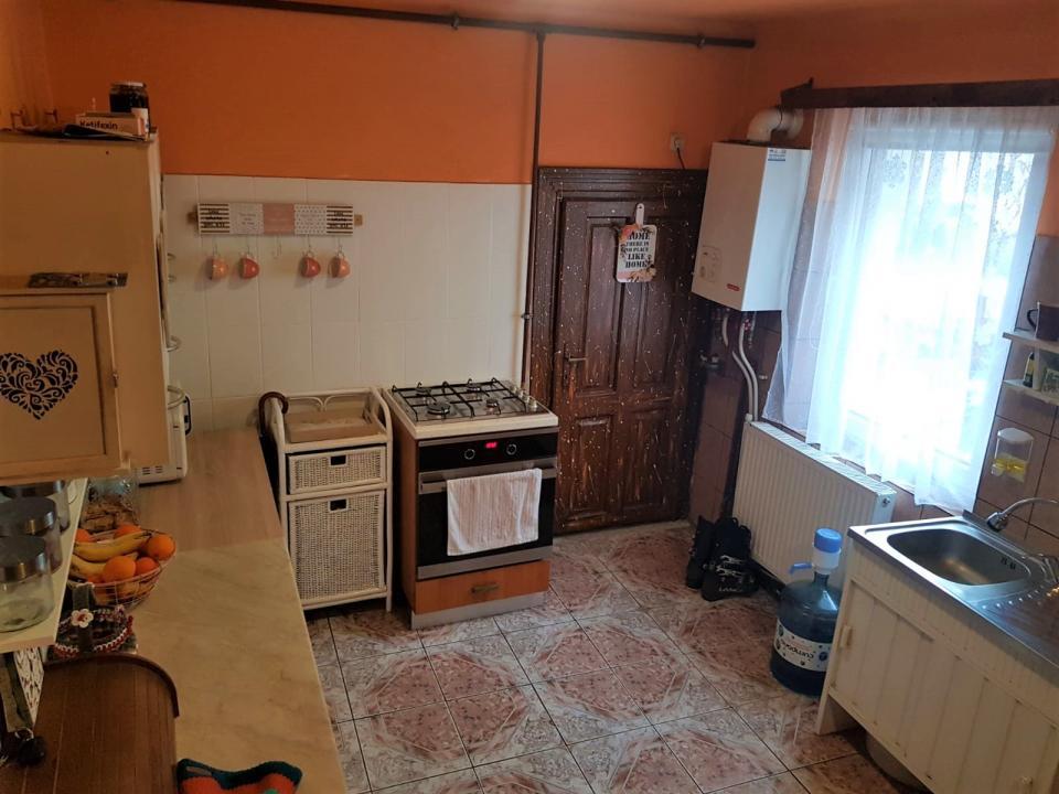 Apartament modern 3 camere strada Noua zona Orasul de jos