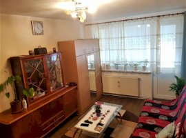 Apartament 2 camere semidecomandat str M. Viteazu