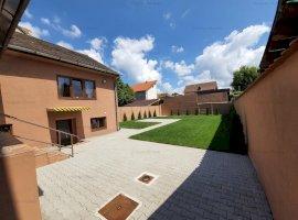 Casa recent renovata cu 250 mp de curte libera de vanzare pe Moara de Scoarta i