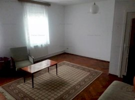 Garsoniera pretabila birou / rezidential de inchiriat in Piata Cluj