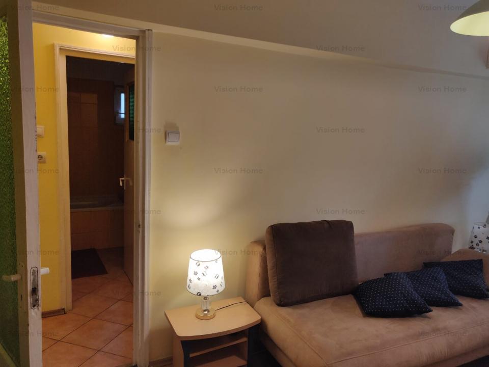 Apartament decomandat cu 3 camere si boxa de vanzare in cartierul Strand