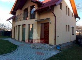 Casa/vila singur in curte - zona Sacele