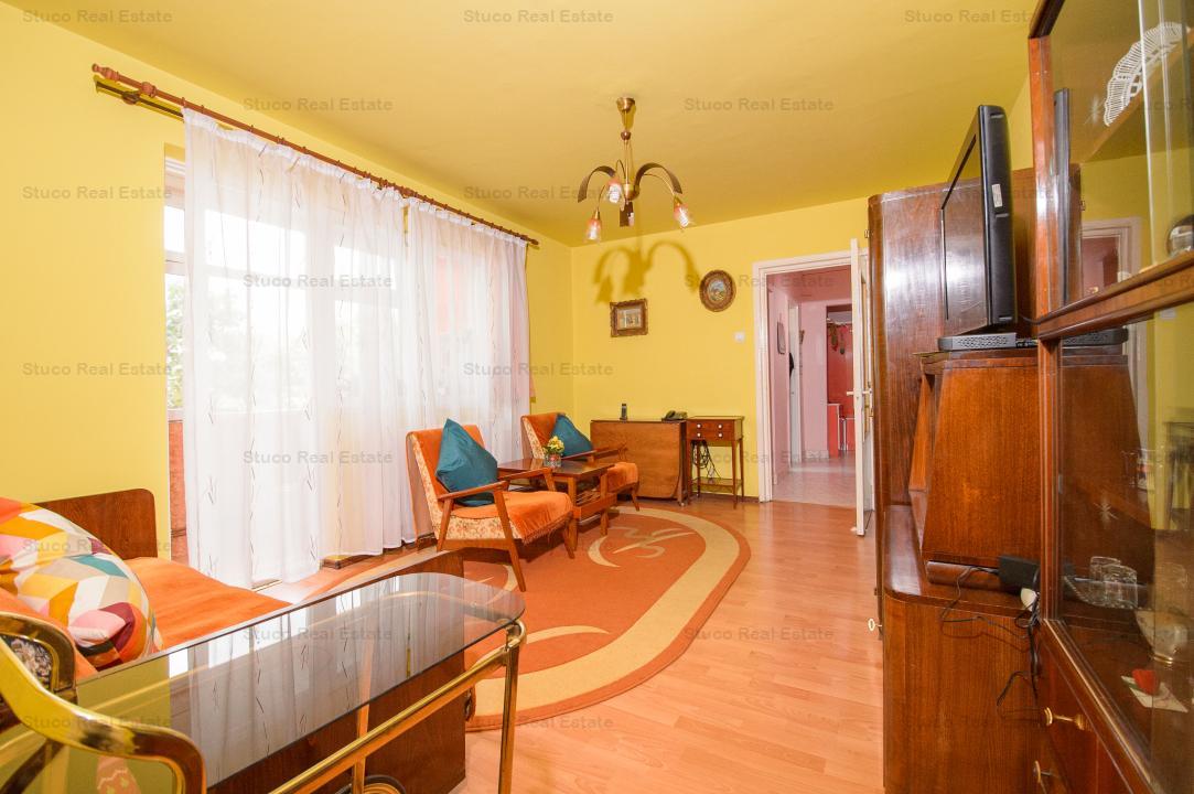 Vand apartament cu 3 camere, in  Dacia