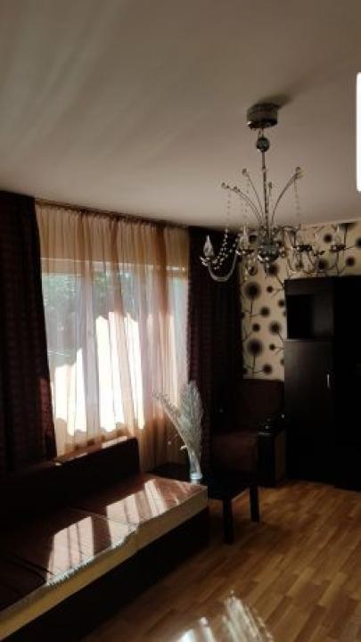Casa 4 camere Zetari
