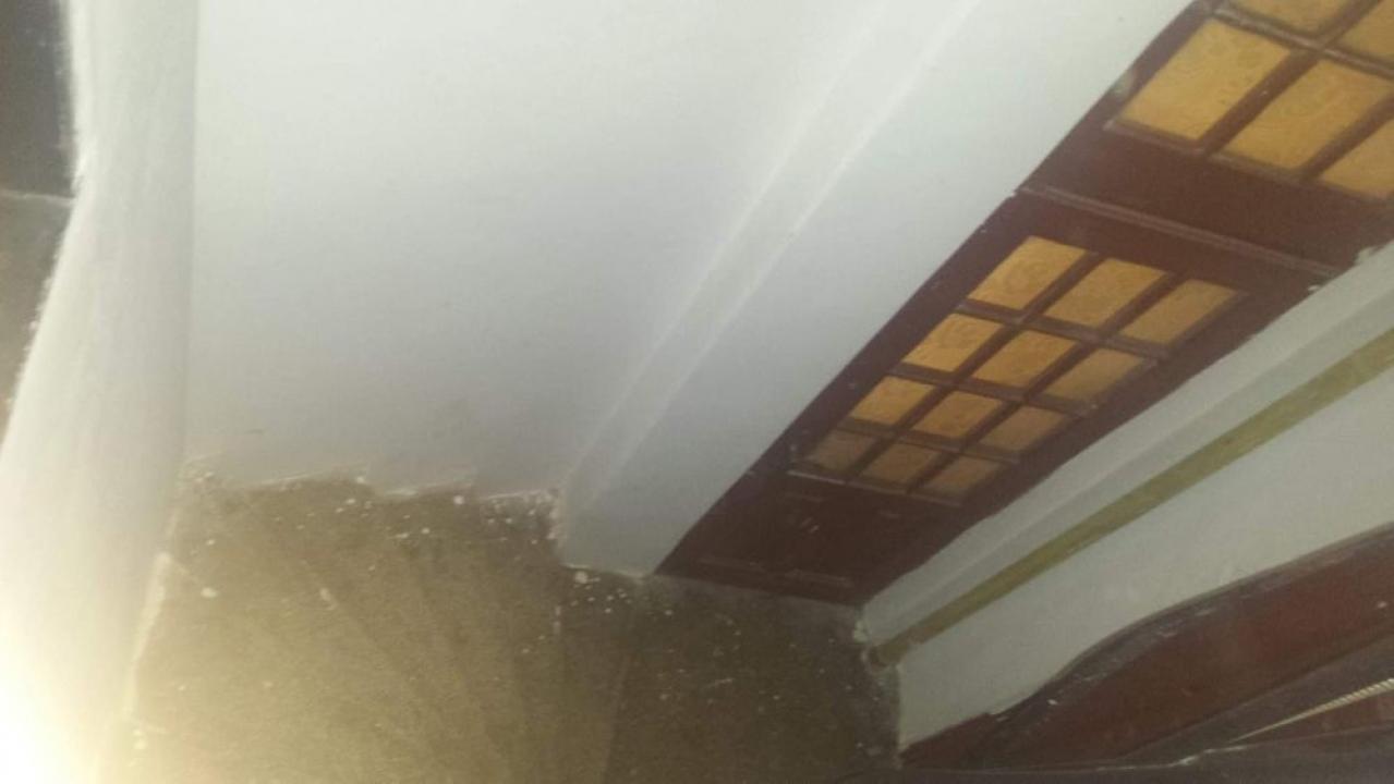 Mansarda Mitropoliei , 5 camere , 50mp curte 280mp