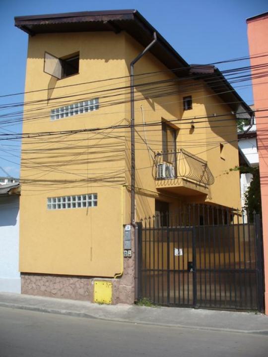 Vila 5 camere Gara de Nord