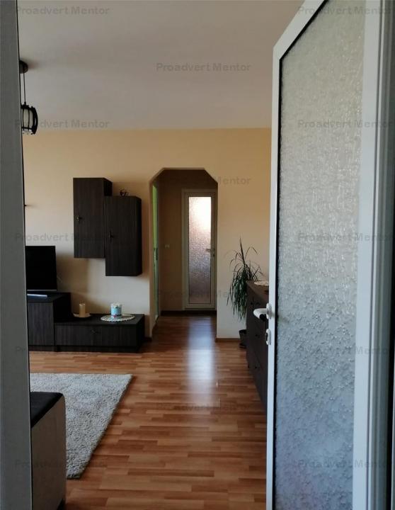Apartament spatios, doua camere, pret avantajos, zona Dambovita