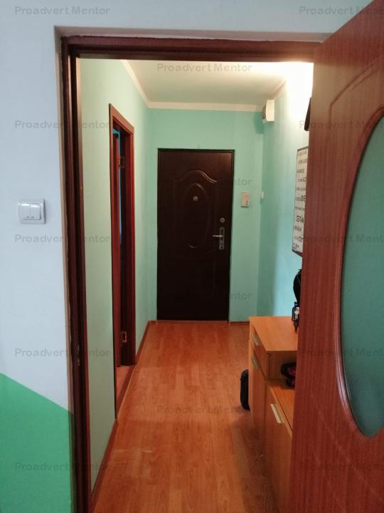 Apartament trei camere, pozitie excelenta, comision 0%