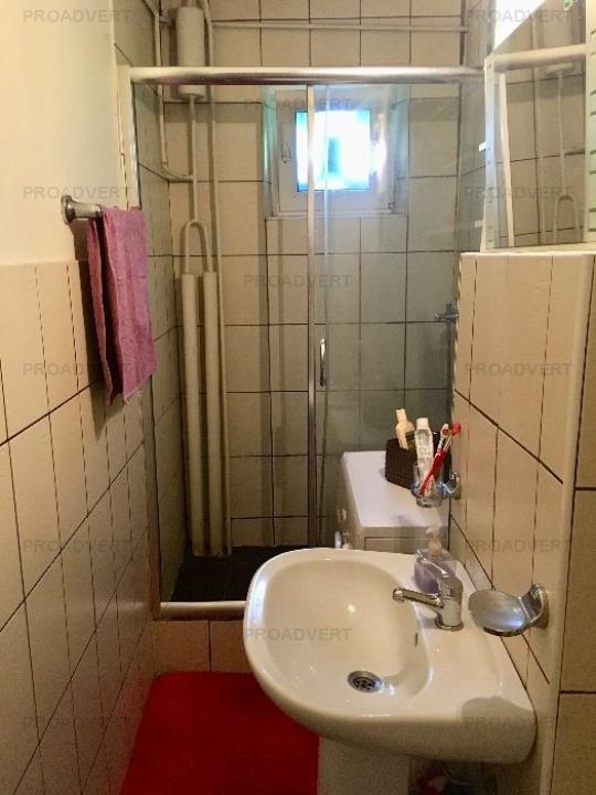 Apartament doua camere, pozitie buna, zona Dacia