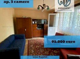 Apartament cu patru camere, foarte spatios, zona Sagului
