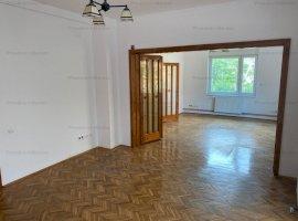 Apartament foarte spatios, trei camere, zona Take Ionescu