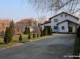 Vanzare vila  cu 6 camere in zona Cornetu