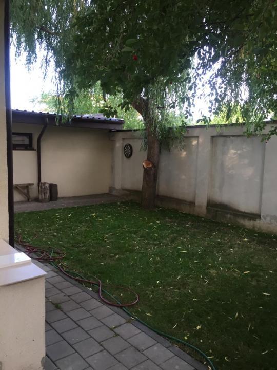 Vila tip duplex in zona Curtea Domneasca, Domnesti.