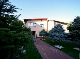 Vanzare vila cu 4 camere zona Drumul Taberei, Bucuresti