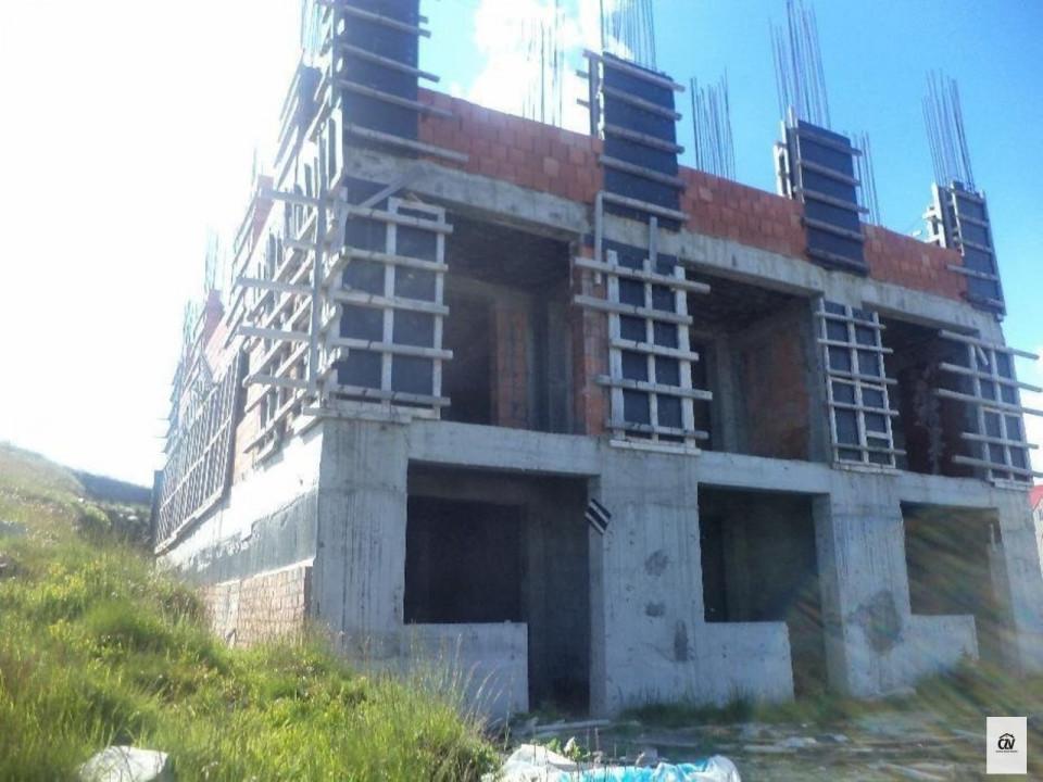 Vanzare apartament cu 31 camere, Ranca