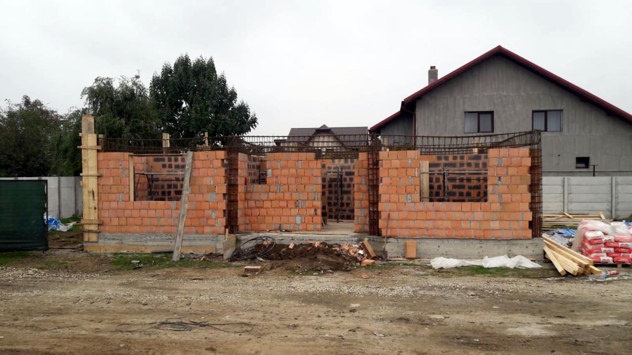 Proiect Deosebit, 14 Case -  Parter