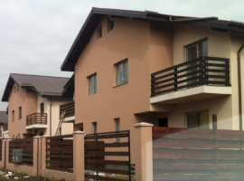 Vanzare vila din duplex cu 4 camere, Domnesti