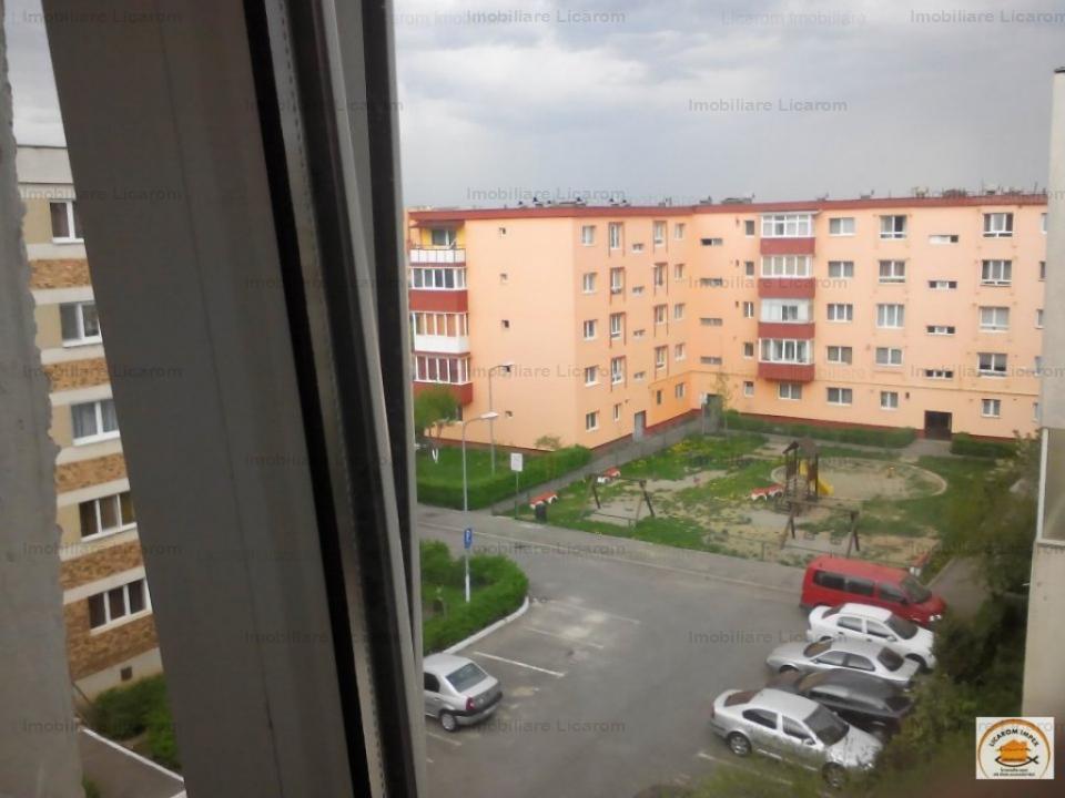 Apartament 4 camere confort 1, decomandat, Craiter zona buna.