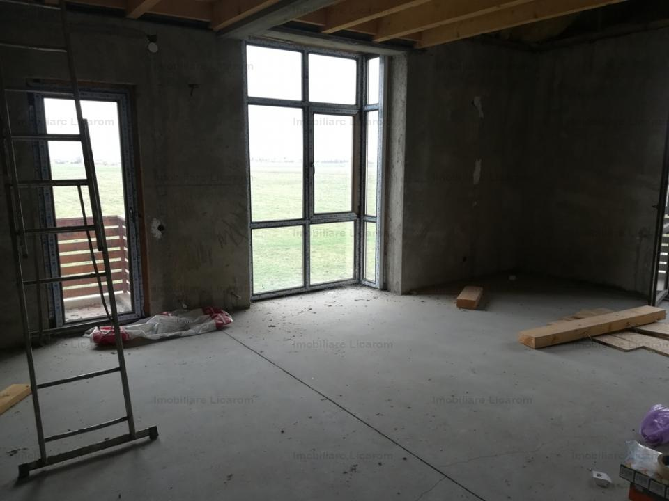 Apartament 3 camere in vila dispus pe 2 nivele,scara interioara Stupini